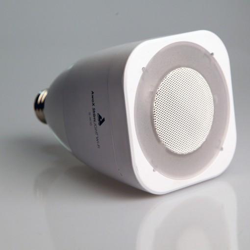 StriimLIGHT - smartlamp, E27, wit, met speaker, wifi